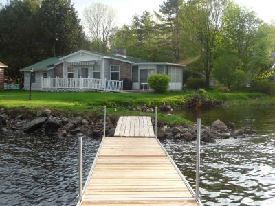CALABOGIE LAKE WATERFRONT FOUR SEASON HOUSE