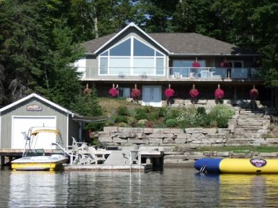 Year Round Cottage on Beautiful Crystal Lake