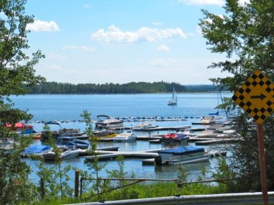Gleniffer Lake - $750 per week. Golf course lot